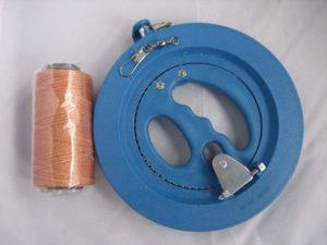 凧、カイト用、糸巻き(リール回転式直径18cm)と強力たこ糸(200m)とスイベル(63mm) 3点セット